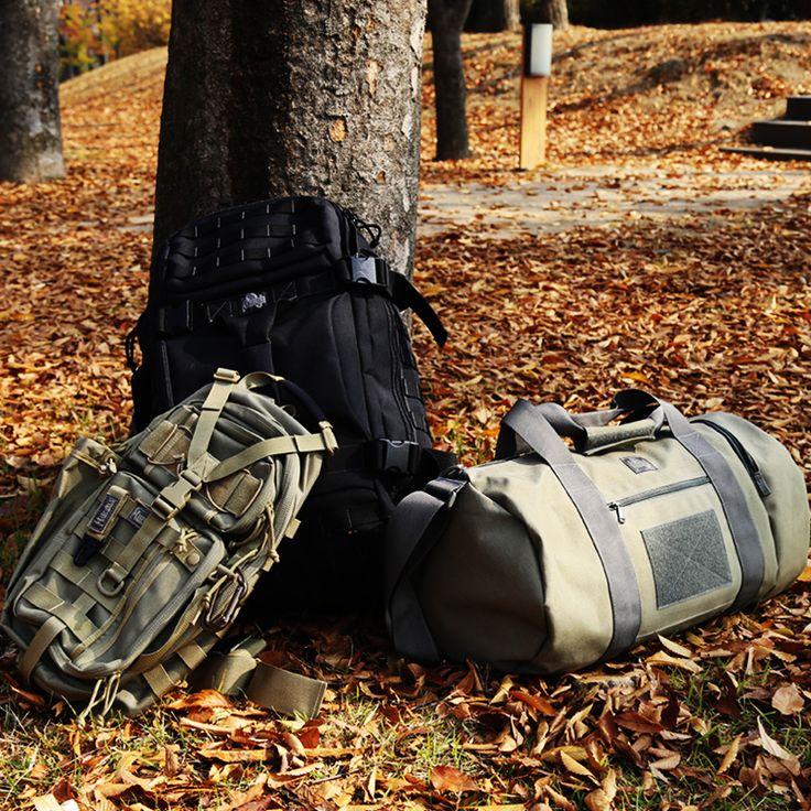 베스트셀러 가방들의 모습입니다. 알바트로스와 트랜스포머, 해머보스톤입니다. 모두 각각 가방의 카테고리를 다르지만, 외관디자인은 맥포스라는 느낌을 확실히 주고 있습니다. 맥포스의 외관디자인은 일관성이 있기때문에 여러분이 더 사랑해주신다는 생각이듭니다.  http://www.magforcekorea.com  #맥포스코리아 #맥포스 #슬링백 #보스톤백 #백팩 #가방 #아웃도어 #magforcekorea #magforce #slingbag #bostonbag #bag #backpack #outdoor