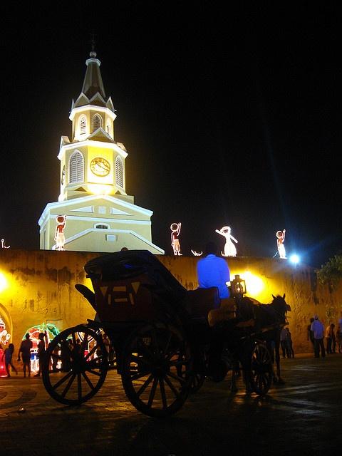 De noche en la ciudad amurallada. Cartagena de Indias
