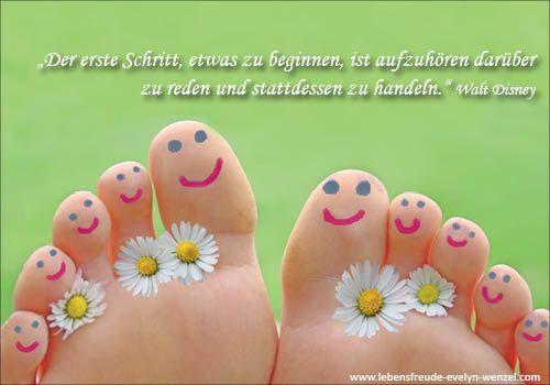 Der erste Schritt, etwas zu beginnen, ist aufzuhören, darüber zu reden und stattdessen zu handeln. Lust auf mehr Lebensfreude und Zitate? Dann schau vorbei: www.lebensfreude-evelyn-wenzel.com