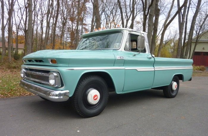 Hemmings 1965 Chevrolet C10 Custom - Like the colors