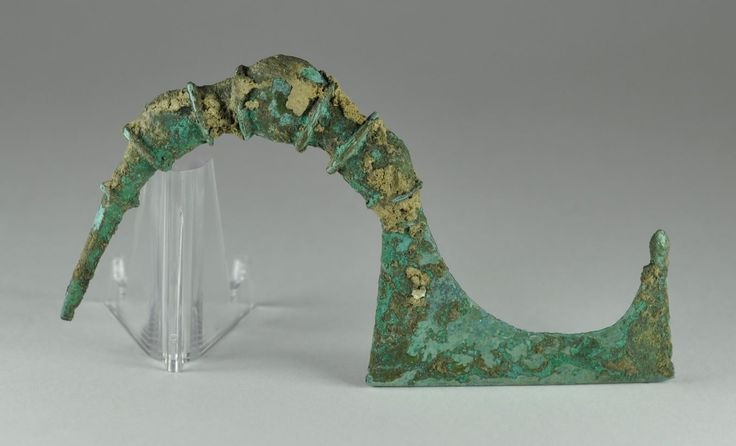 Greek bronze brooch, Thessalian type, 10.4 cm long. Private collection