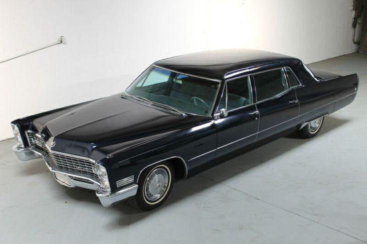 1967 Cadillac Fleetwood series 75 formal sedan