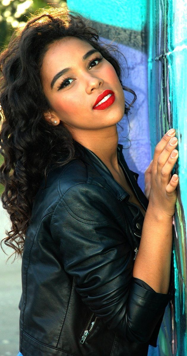 Alexandra Shipp (Aaliyah: Princess Of Hip-Hop, X-Men: Apocalypse)