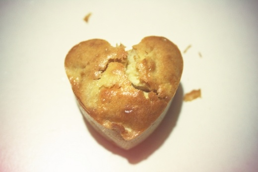 Apple & cinnamon muffins http://suamilove.blogspot.it/2012/04/ops-i-did-it-again-muffin-mela-e.html
