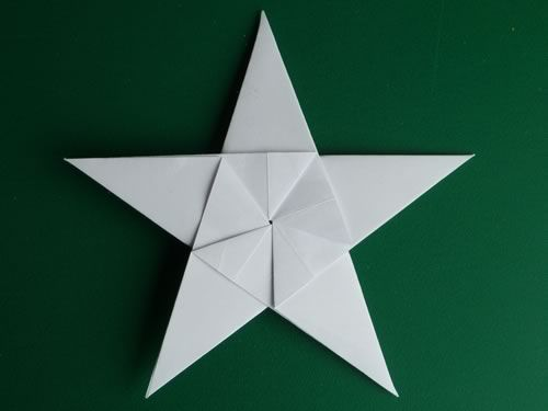 Folding 5 Pointed Origami Star Christmas Ornaments EXCELLENT video VERY easy to follow.