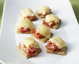 Reuben Cracker Bites-An easy (WW 2 Plus+) recipe, and all you need is a microwave! WW 2 Plus+ per serving.
