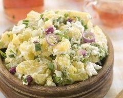 Salade de pommes de terre au thon facile. Mayo remplacée par du yaourt, avec jus de citron. Du coup pas besoin d'huile