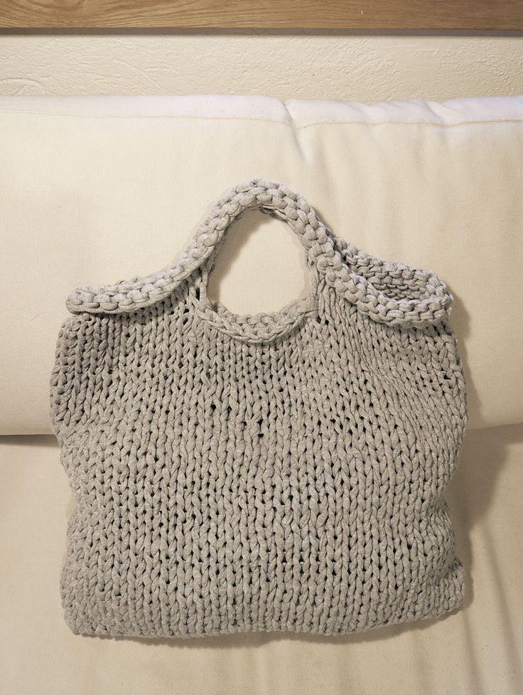 Wygodna duża torba z ekologicznego jerseyu wykonana ręcznie na drutach. Możliwe różne wzory i kolory. Na zamówienie w Siedlisku na Wygonie na Mazurach #torby #torba #rękodzieło #ręcznie #robione  #druty #nadrutach #jersey #hooked #hoooked #zpagetti #jersey #doreki #doręki #bag #duże #bigbag #bags #diy #handmade #knitting #knittedbag #cotton  #handmadebag #shoppingbag #bagphoto #original #nawygonie #siedliskonawygonie #siedlisko #wygonie