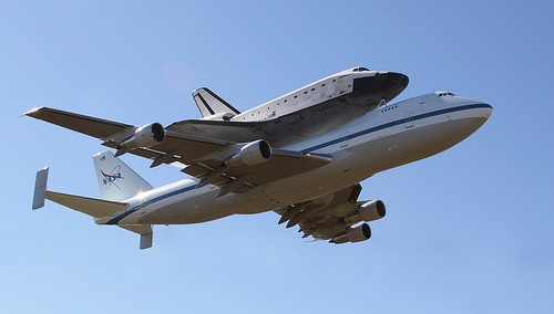 """Rockwell International Space Shuttle Endeavour OV-105 on Boeing 747-100SR Shuttle Carrier Aircraft (SCA) - N911NA """"NASA 911"""" at EFD"""