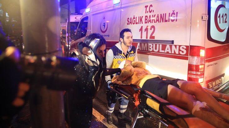 Pelaku serangan klub malam di Istanbul tembakkan 180 peluru dalam 7 menit  ISTANBUL (Arrahmah.com) - Pelaku penembakkan sebuah klub malam di Istanbul Turki menembakkan lebih dari 180 peluru saat insiden dalam waktu 7 menit media Turki melaporkan.  Pelaku penembakan tiba di lokasi dengan menggunakan taksi. Ia menembaki petugas di pintu masuk sebelum melancarkan aksinya.  Sedikitnya 39 orang tewas 25 diantaranya merupakan warga negara asing akibat serangan di sebuah klub malam di Istanbul…