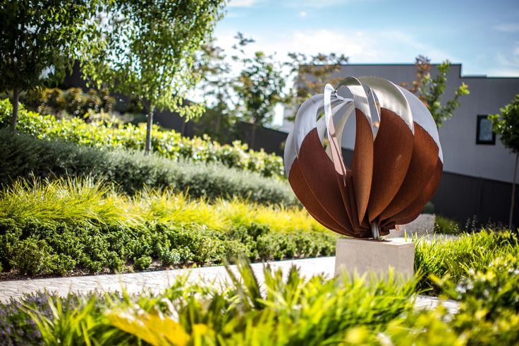 Mitcham residence - Corten and stainless steel sculpture