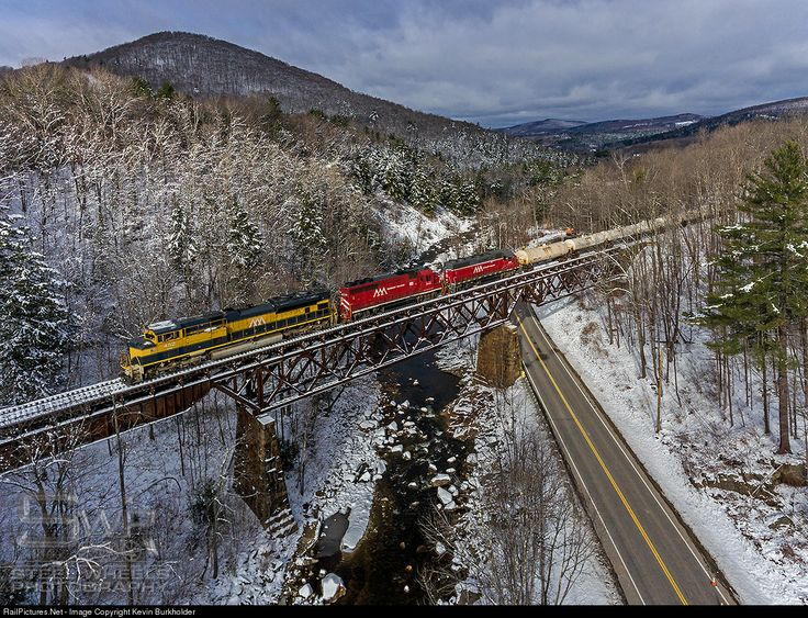 RailPictures.Net Photo: VTR 432 Vermont Rail System EMD SD70M-2 at Cuttingsville, Vermont by Kevin Burkholder