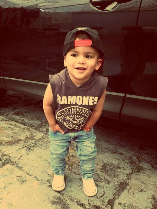 """I like it because it has pirate bones on it and a hat and shoes and socks and nice things."""" #stylechild"""