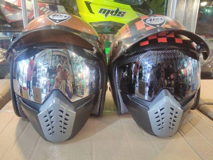 "1 Me gusta, 1 comentarios - Knm Helmet (@knmhelmetgallery) en Instagram: ""Yuk ready stock bos. Kaca masker osbe pelangi.  Silver dan smoke #knmhelmetgallery #osbe #helmets…"""