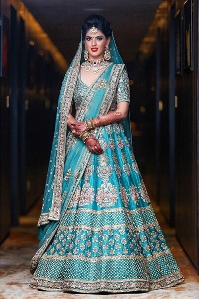 She opted for Blue! #wedzoapproves #lehenga #weddinglehenga #weddingoutfit #bridallehenga #bridaloutfit #weddingdress #bluelehenga #indianbride #bride