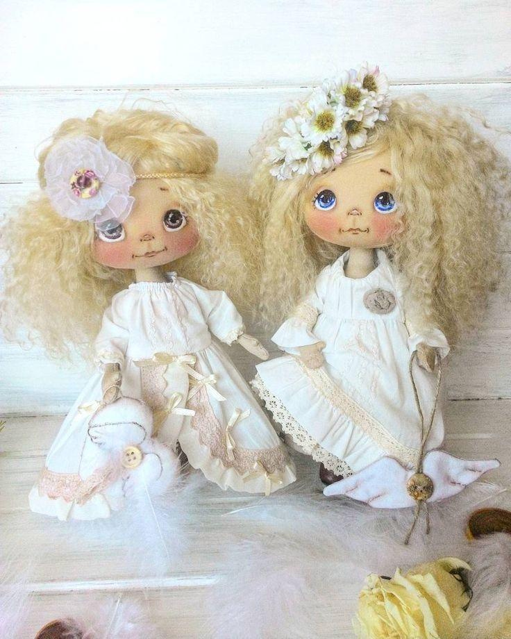 Две сестрички, моя любоффф, улыбка с моего лица не сходит, а доча повторяет -божечки. Всем улыбок и добра. #куклыеленывылегжаниной #ярмаркамастеров #ручнаяработа #handmadedoll #москва #питер