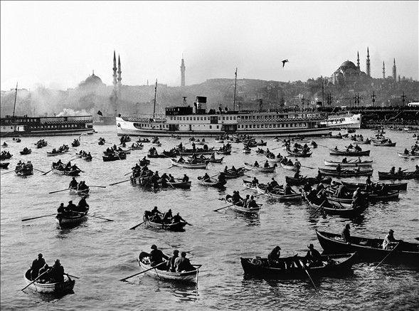 İstanbul, Türkiye-den 7 fotoğrafçının objektifinden toplam 140 fotoğrafla, Almanya-nın başkenti Berlin-deki Willy Bradt Haus-ta 23 Nisan-da açılacak fotoğraf sergisi aracılığıyla sanatseverlerle buluşacak.
