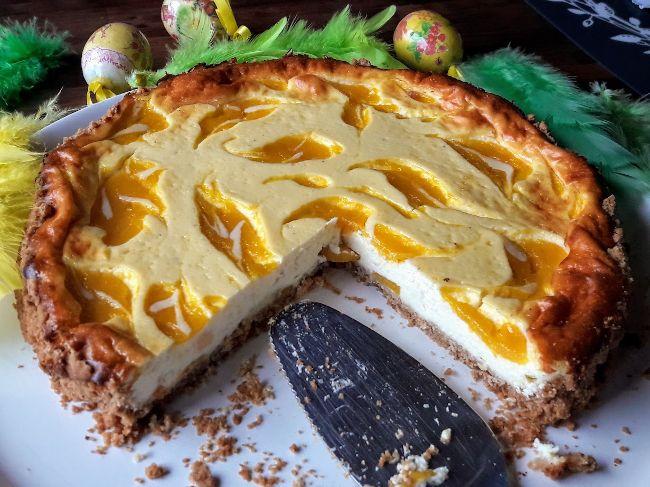 Skyr rahkoista voi myös valmistaa super hyvää juustokakkua! Sain Hopottajilta sinikantisia laktoosittomia Skyrejä maisteltavaksi. Tämä on valmistettu mango-meloni rahkasta. Www.facebook.com/skyrsuomi #skyrsuomi #skyr #juustokakku www.hopottajat.fi