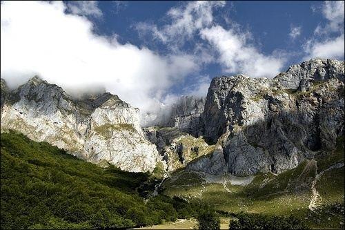 Los Picos de Europa, elegidos como la mejor maravilla rural de España   Cantabria   Spain