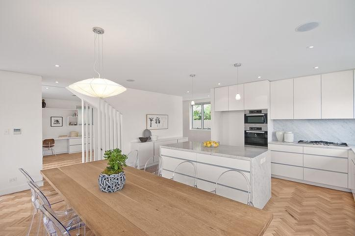 kitchen and dinning room. Decorator: Jeni Jewell Designs
