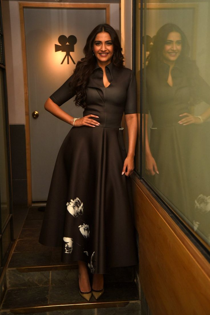 Sonam Kapoor promotes 'Neerja' in style - Emirates 24|7