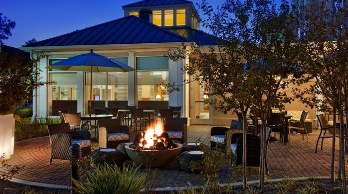 Hilton Garden Inn Houston/The Woodlands Hotel, TX - Outdoor Seating Area