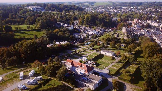 Valkenburg - Stadscamping Den Driesch - overdekt zwembad vlakbij