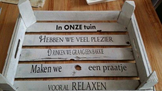 Leuk tekst bord voor in de tuin
