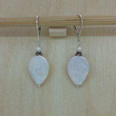 Teardrop Flat Pearl