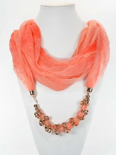 Look : foulards bijoux collier femme printemps-multicolores-unis-perles-mailles-maillon