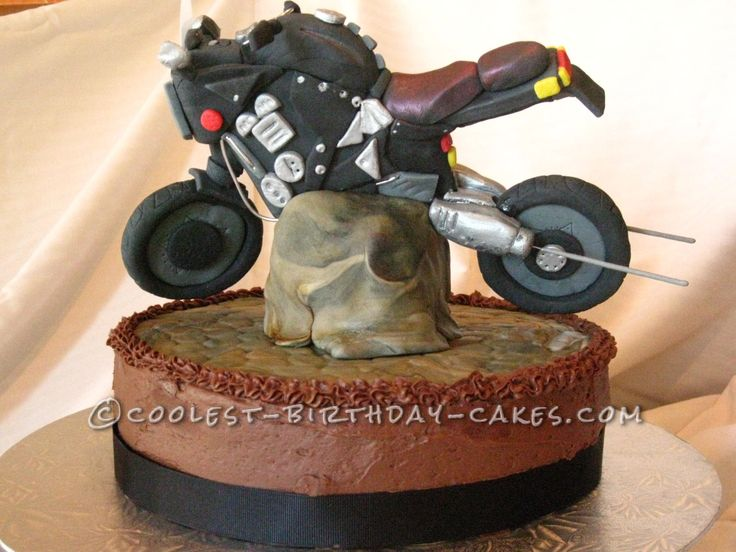 Coolest Motorcycle Cake... This website is the Pinterest of birthday cake ideas