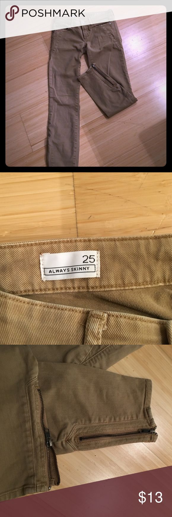 Adorable Skinny Dark Khaki Jeans/Pants Size 25, Gap, Skinny khaki pants, Denim fabric, zipper ankles, adorable pants. perfect for fall/winter, fit is adorable. I have these pants in almost every color! Excellent condition - worn only 1x - needed a larger size *** Not Banana Republic just used for advertising ^** Banana Republic Pants Skinny