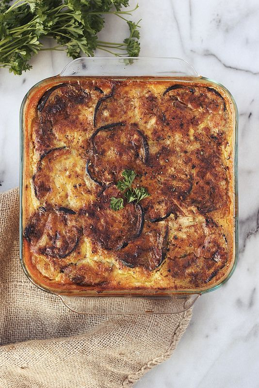Lightened-Up Moussaka {Grain-free w/ Vegetarian Options} // @tastyyummies. // www.tasty-yummies.com