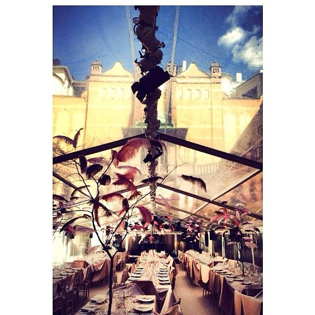 #tavet bygger heltransparent på #Hallwylska    #tent #event #party #tält #fest #dukning #uthyrning #festtält #hyratält #hallwylskamuseet #halwyllskapalatset