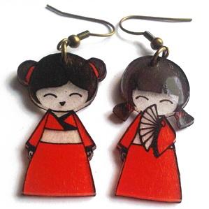 ACTIVITE - Boucles d'oreilles kokeshi en plastique fou
