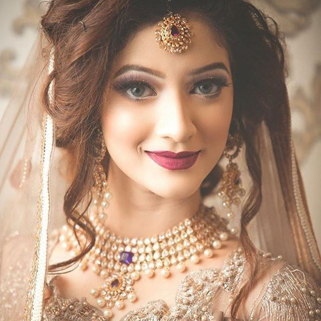 Beautiful Stylish Bridle Wedding Dress Design Beautiful And Gourgious Bridal Dresses In 2020 Pakistani Bridal Hairstyles Bridal Makeup Looks Indian Wedding Makeup