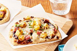 Recette de Pizzas hawaïennes sur pain naan au barbecue - Kraft Canada