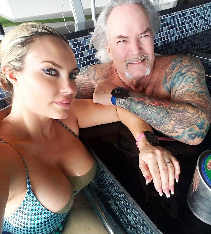 Spa Day for Mama! Coco Austin Hangs Out in a Hot Tub with Her Dad and Brother