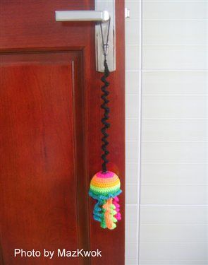 Crochet Cat toy - Bouncing rainbow jellyfish - Crochet Me