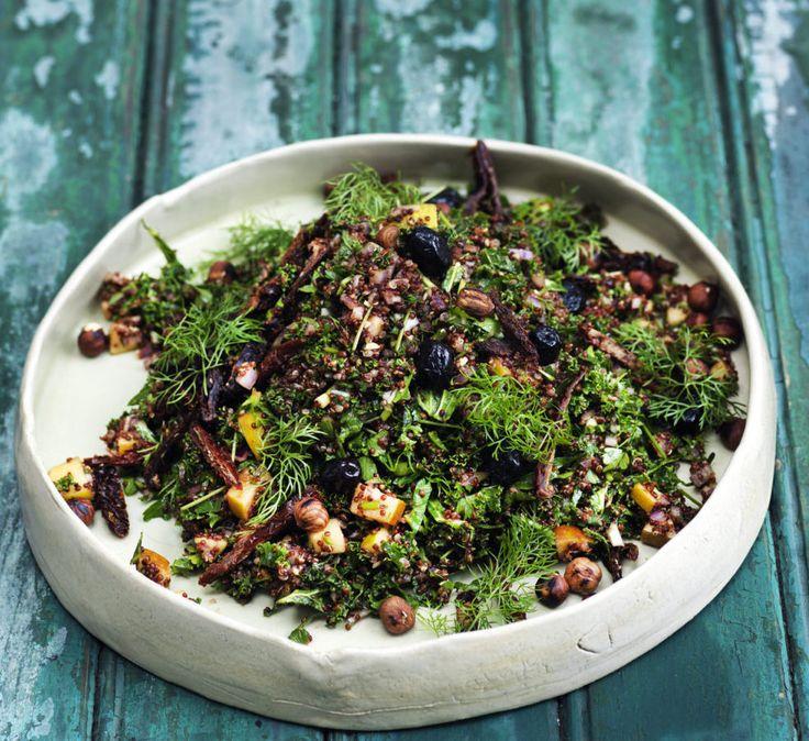 Grønkål Tabbouleh med hasselnødder er en yderst delikat og velsmagende salat, der egner sig fortrinligt til…