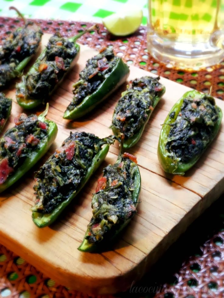 Spinach-Stuffed Jalapeño Poppers