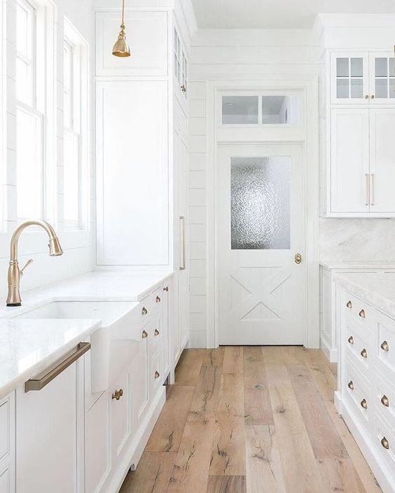 49 Modern Hardwood Flooring Design Ideas For Your Kitchen