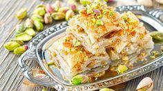 Baklava ricetta originale, dolce di pasta fillo miele e pistacchi