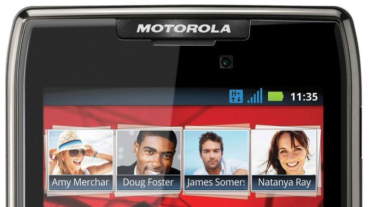 Ice Cream Sandwich coming to UK Motorola Razr and Razr Maxx handsets | Motorola has begun to roll-out the Android Ice Cream Sandwich update for its European Razr and Razr Maxx smartphones. Buying advice from the leading technology site