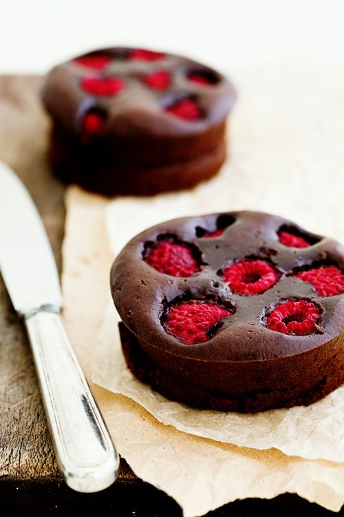 Dark chocolate & raspberry brownie tarts
