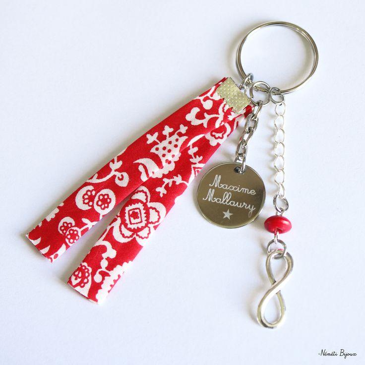 Porte clés liberty gravé personnalisé - tissu rouge blanc - gravure prénom message - cadeau unique : Porte clés par nemeti