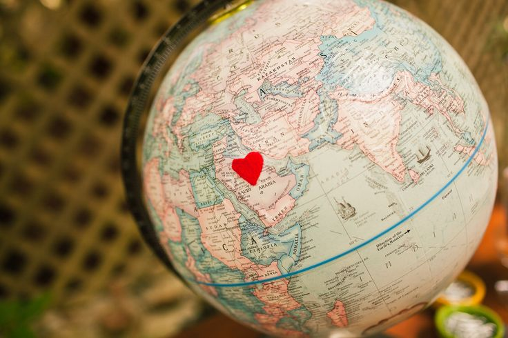 Wedding globe for long-distance couples
