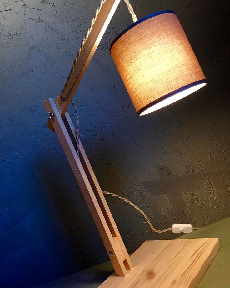 diy lampe articul e en bois mes diy pinterest lampe articul e lampe articulee et lampes. Black Bedroom Furniture Sets. Home Design Ideas