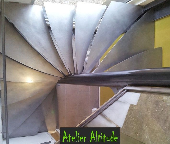 1000 ideas about escalier h lico dal on pinterest escalier en colima on e - Escalier colimacon metal ...