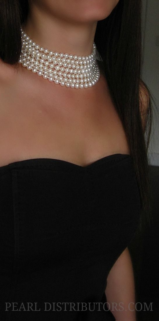 Freshwater pearl choker - you can never go wrong with this classic piece.